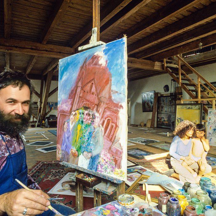 Lagerhaus Süd-Ost, der Künstler Hanefi Yeter in seinem Atelier, Berlin 1982 - 1986