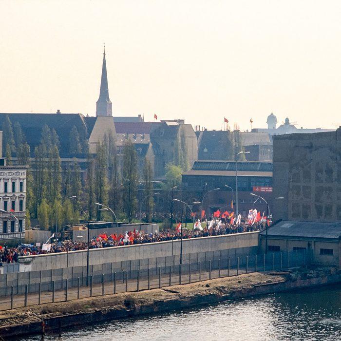 Lagerhaus Süd-Ost, Blick über die Spree und die Berliner Mauer, Berlin 1982 - 1986